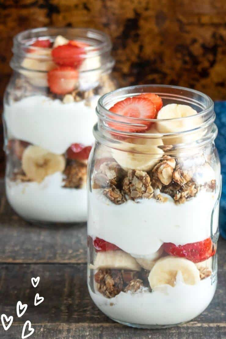 Breakfast Parfait with Granola and Fruits