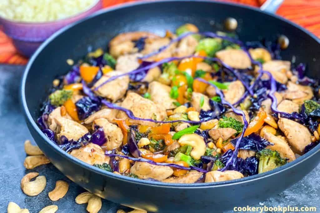 Low Carb Chicken & Red Cabbage Stir Fry