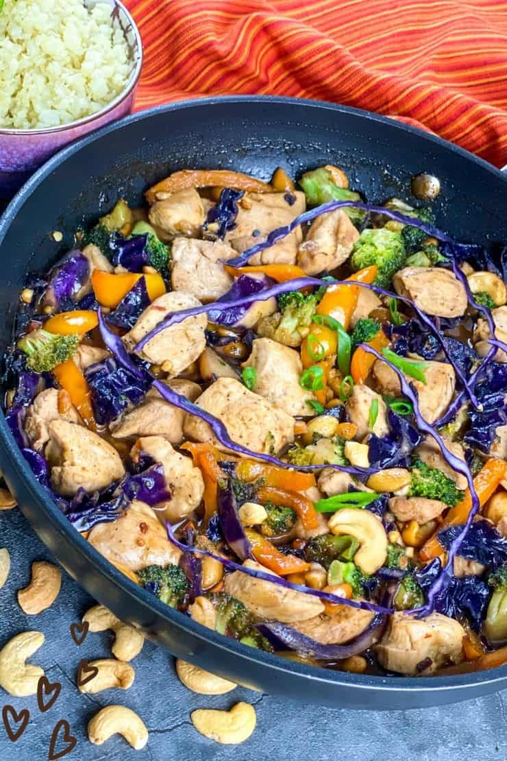 Low Carb Chicken Stir Fry with Red Cabbage