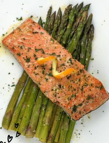 One-Pan Salmon and Asparagus Recipe